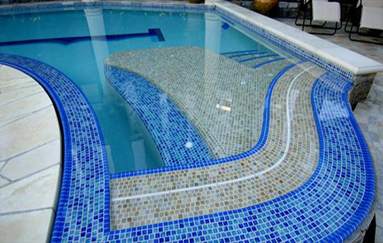 yếu tố an toàn của loại gạch bể bơi