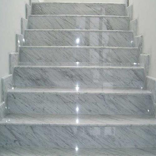 Đá cầu thang Granit trắng bianco carara