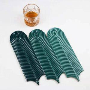 Gạch thẻ ốp tường trang trí lông vũ kích thước 90*300mm mã L90300-04 (xanh lá cây đậm)